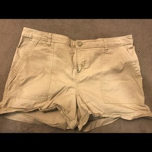 Patagonia canvas shorts size 14